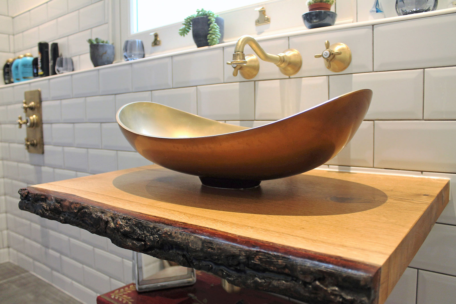 Vintage chic bathroom with BAGNODESIGN fittings